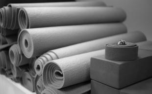 Vi rydder; Ta med yogamatten din hjem i sommer